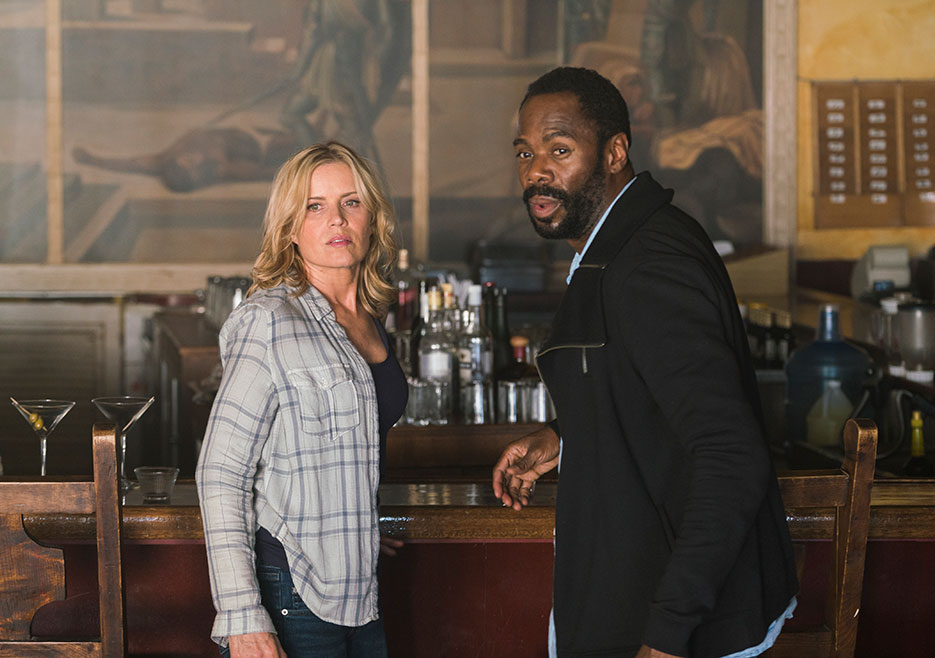 Madison Clark (Kim Dickens) and Victor Strand (Colman Domingo) in Episode 9