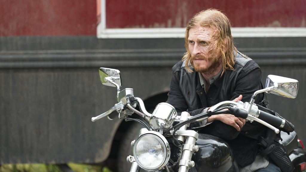 Austin Amelio as Dwight - The Walking Dead Season 7